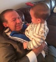 Dip Heriberto Galindo Quiñonez con su nietecito Santiago